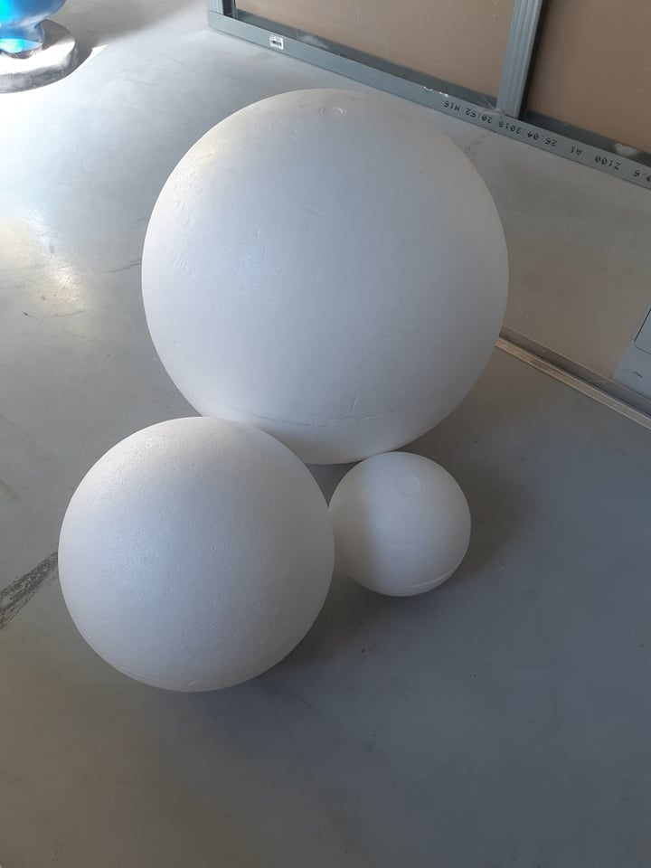 image of polystyrene ball, polystyrene ball, polystyrene ball, polystyrene ball, EPS ball, tempex sphere, polystyrene cutting, polystyrene molding, polystyrene sculpting, polystyrene blocks, setprop, film prop, film attribute, prop, prop in polystyrene, stage prop, television prop, television plug, blowup, styrofoam blow up, blow up in styrofoam, eyecacther, stage props, props, set construction, decoration, blow up for photo shoot
